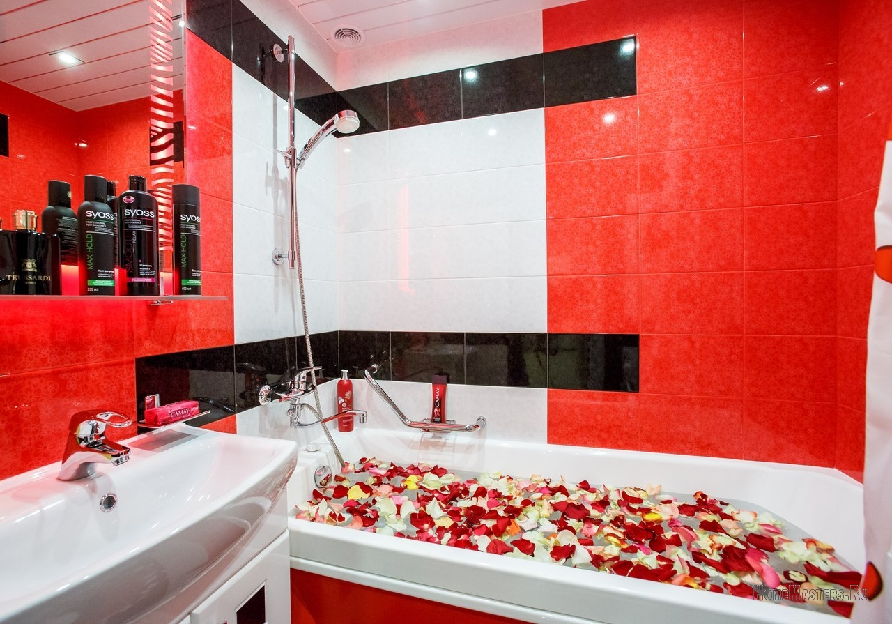 Ванна с лепестками роз   Фото ремонтов