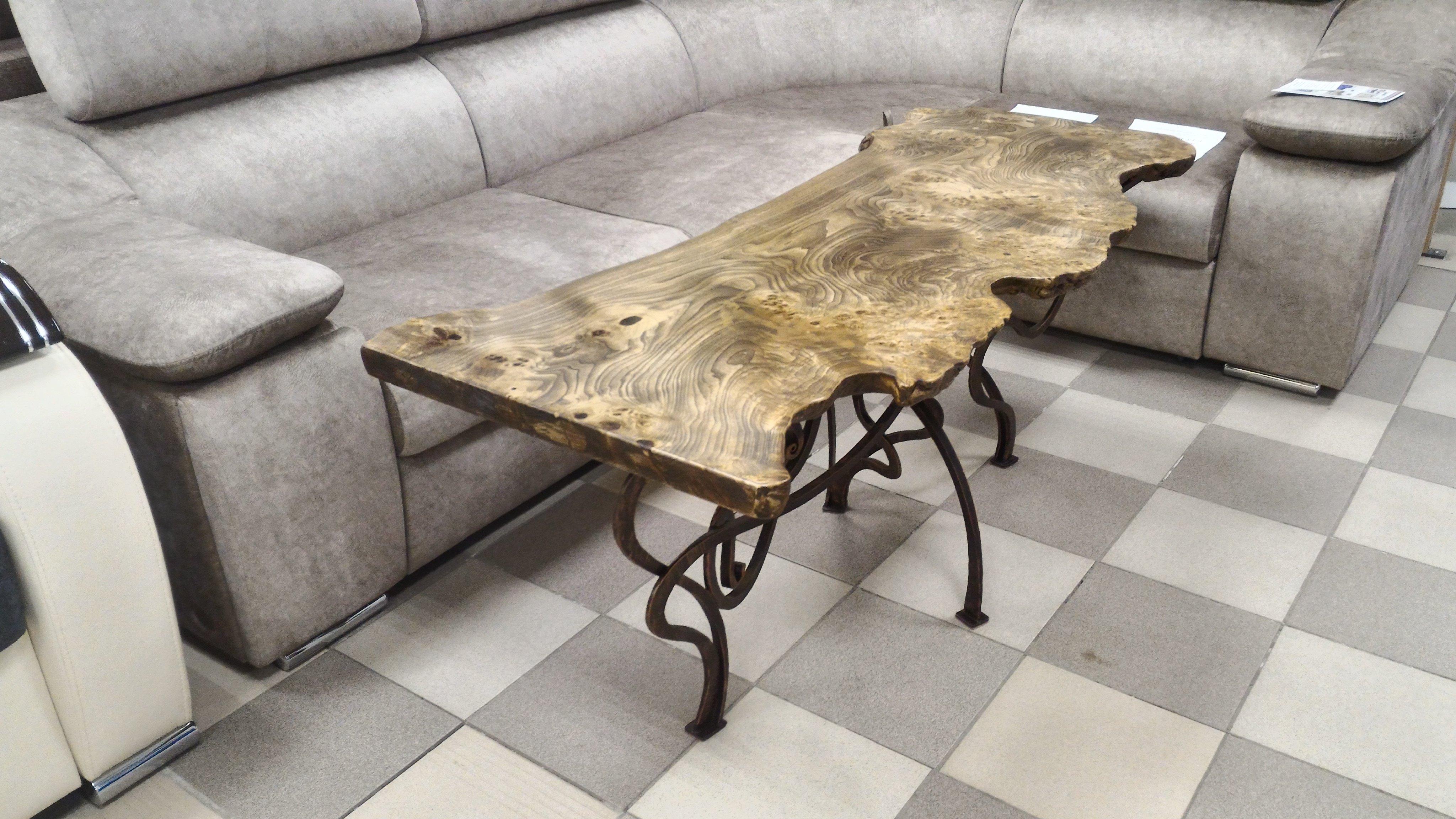 Журнальный стол. Слэб капового тополя
