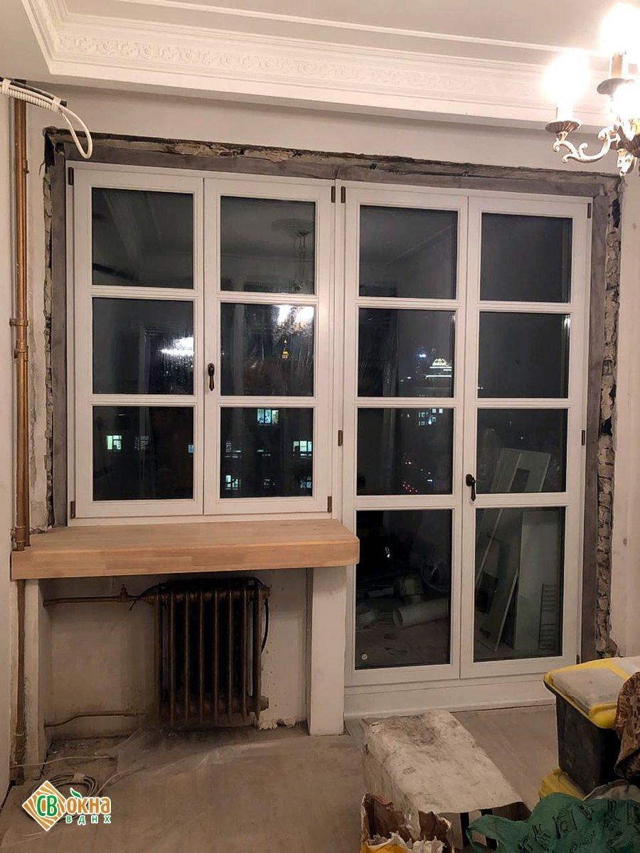 Балконная дверь и окно из лиственницы.