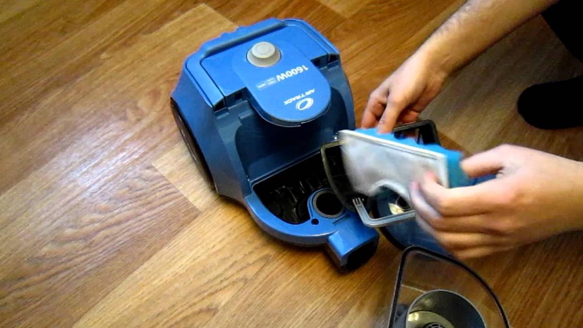 Самостоятельная смена фильтра пылесоса. Как часто его нужно менять?