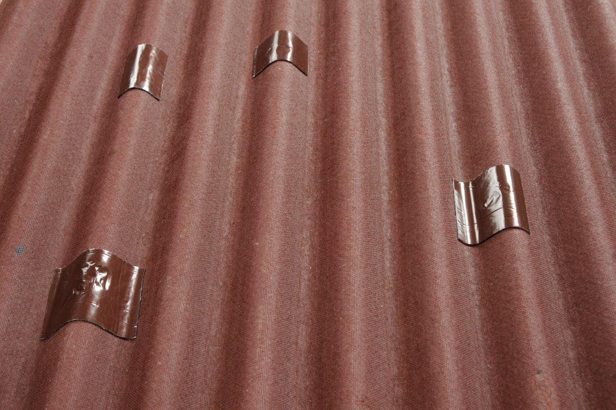 Эксплуатация и ремонт скатной крыши из штучных материалов: эффективный и недорогой способ борьбы с протечками