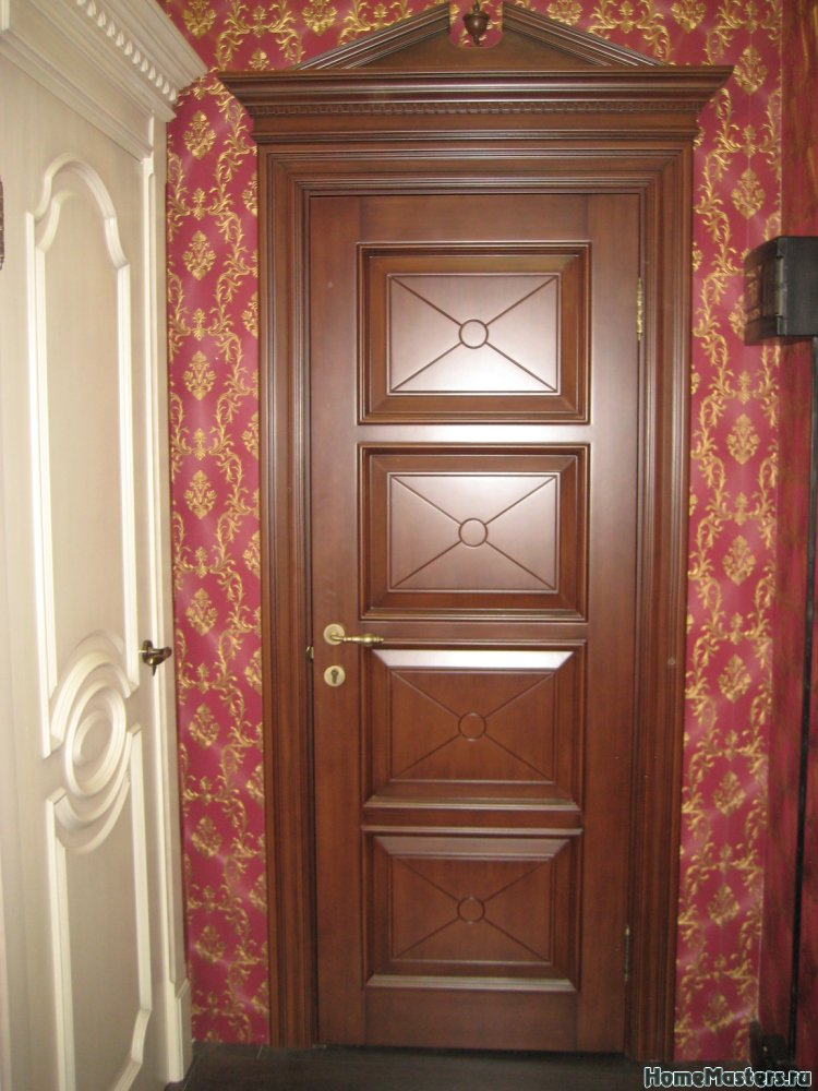 Межкомнатная дверь Максимус  в классическом стиле Royal Interni