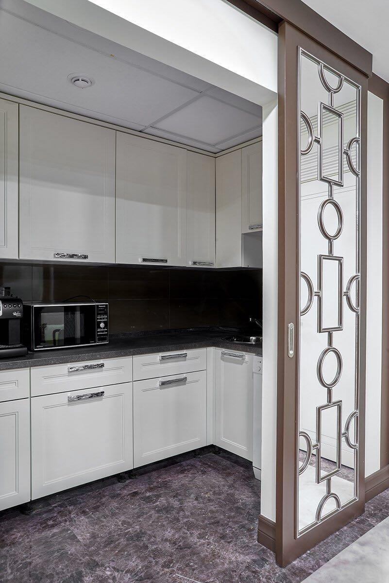фото белой кухни с фасадами из МДФ от Роял Интерни