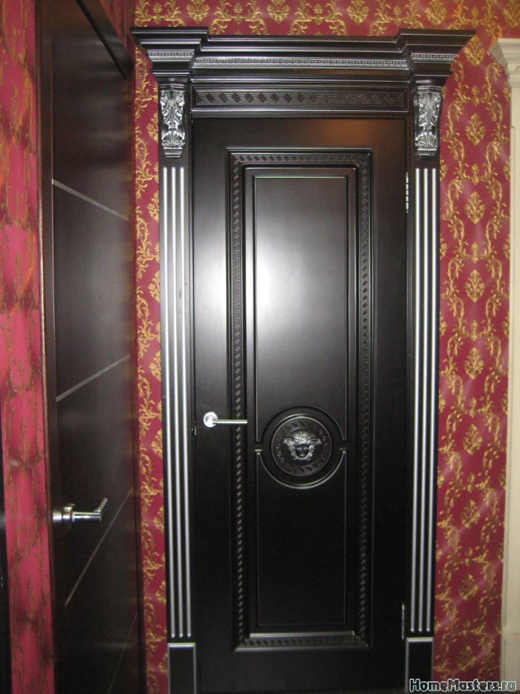 Классическая межкомнатная дверь Меандр из массива и мдф Royal Interni