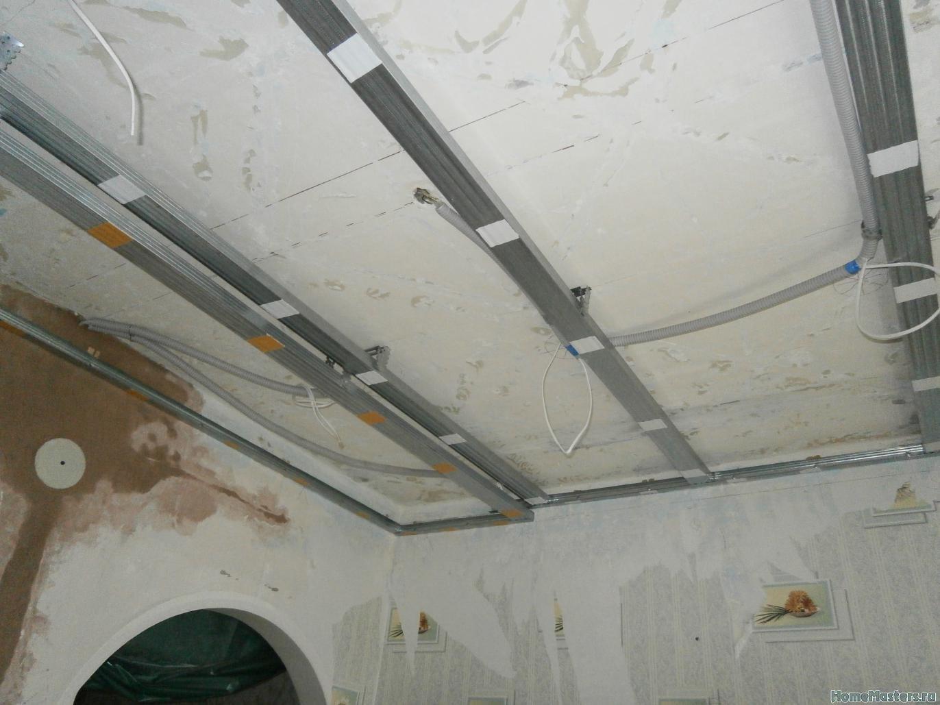 1 Потолок из сэндвич панелей ПВХ ( фото 1 )
