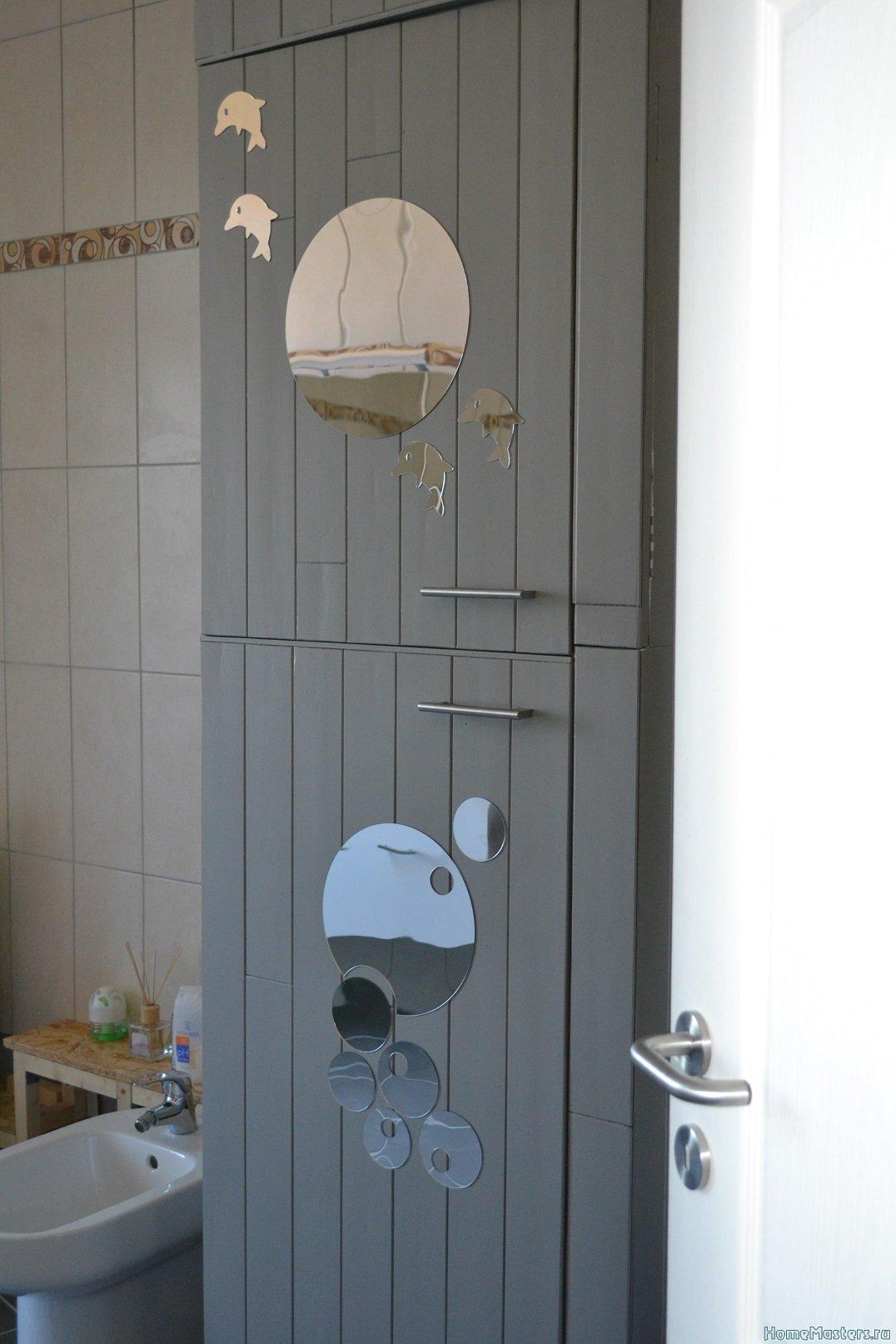 Шкаф в ванной комнате.