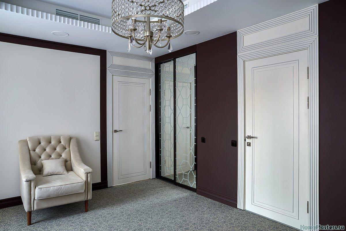 Фото элитных белых межкомнатных дверей меб. фабрики Роял Интерни
