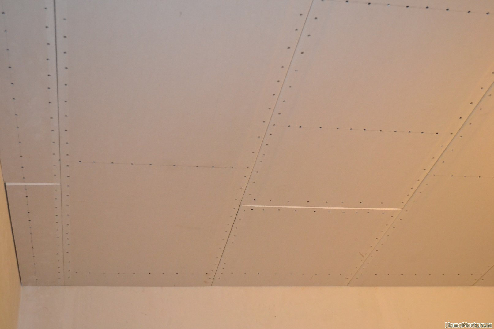 Ремонт спальни 1. Потолок 052