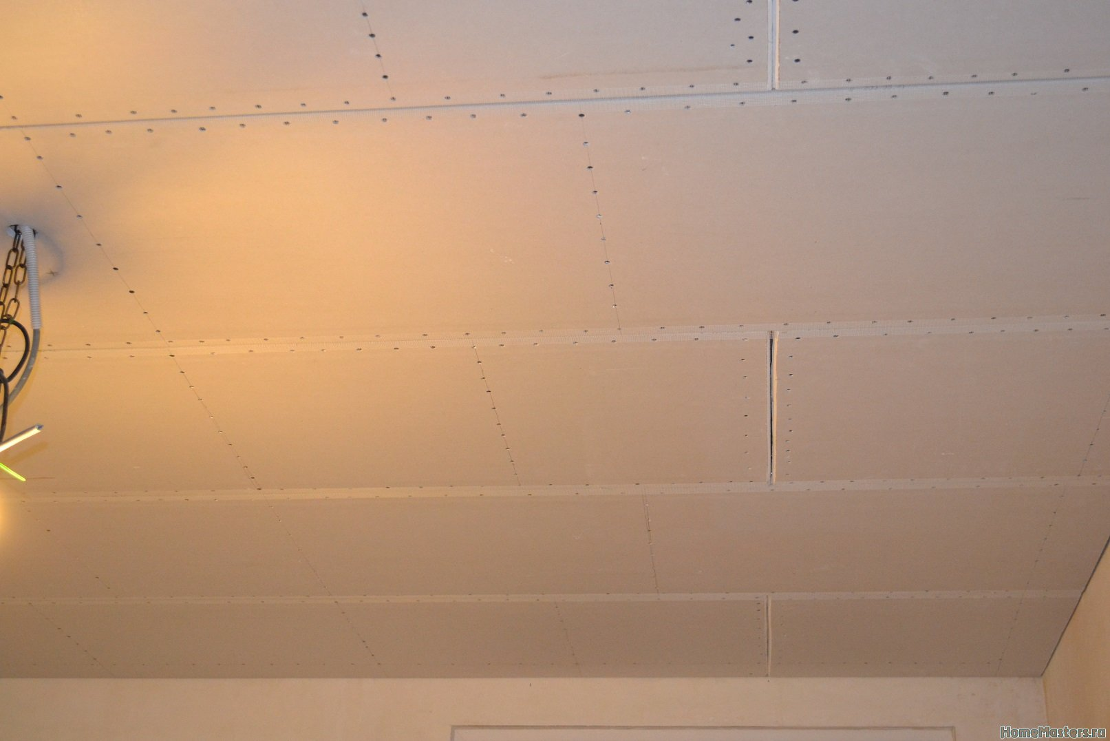 Ремонт спальни 1. Потолок 053