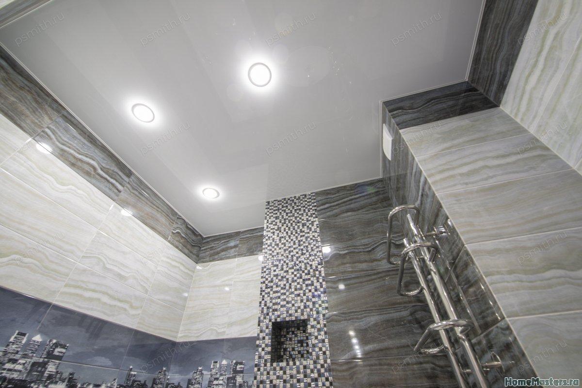 Натяжные потолки в туалете