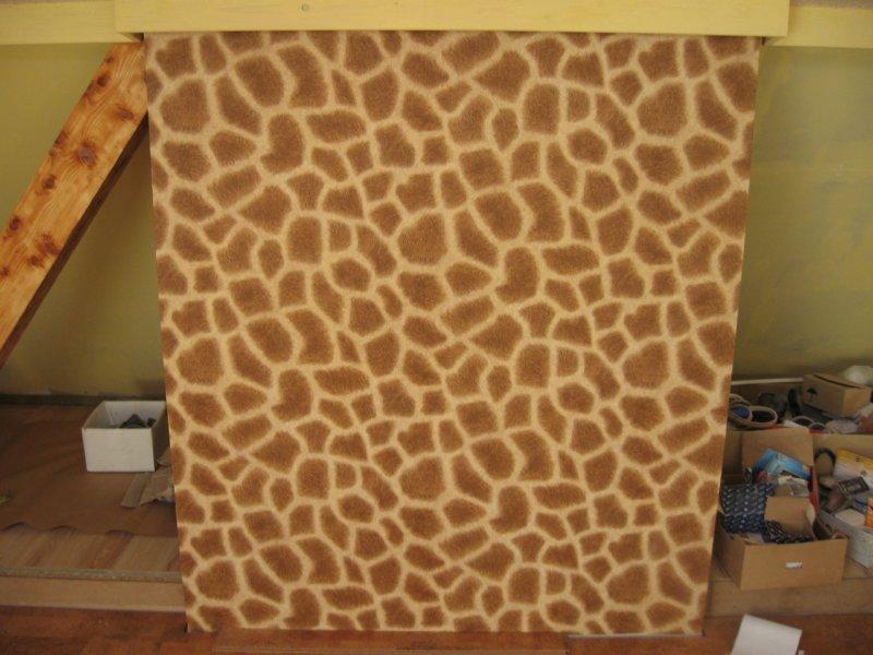 Жираф в детской