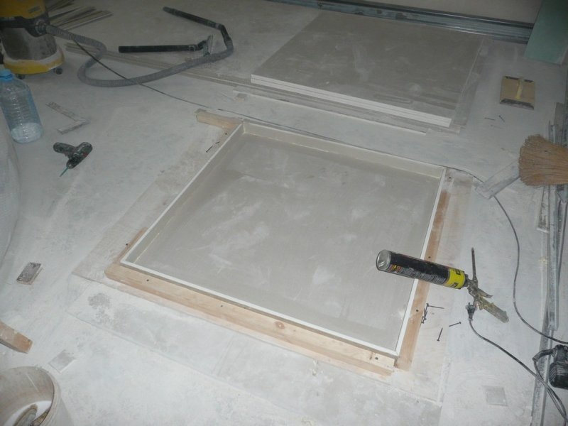 потолок коридор008