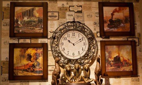 Часы каминные и пано