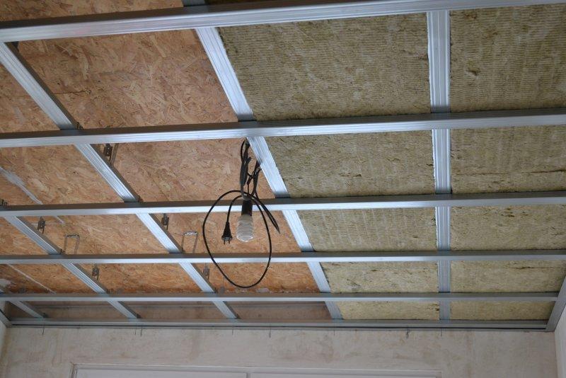 Ремонт в спальне 2. Потолок 020