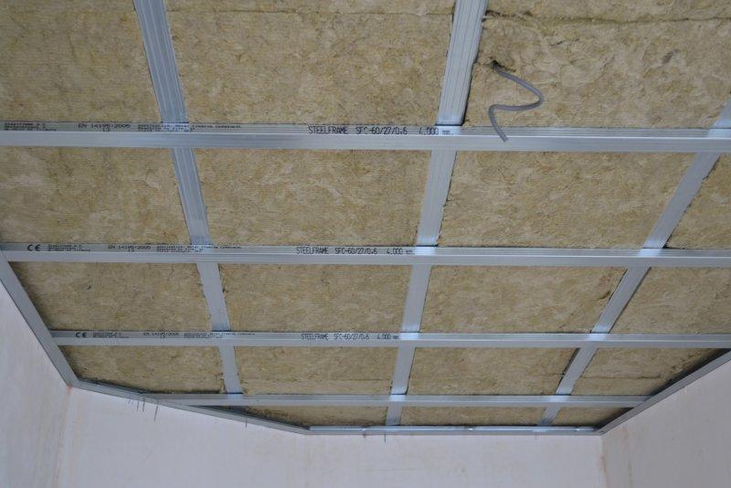 Ремонт в спальне 2. Потолок 022