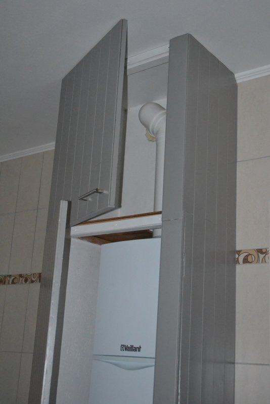 Шкаф в ванной комнате. 018