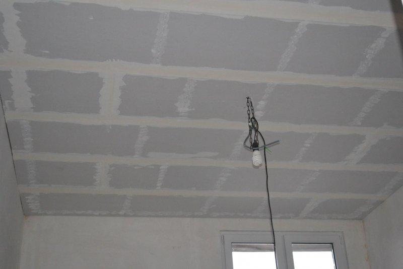Ремонт спальни 1. Потолок 055