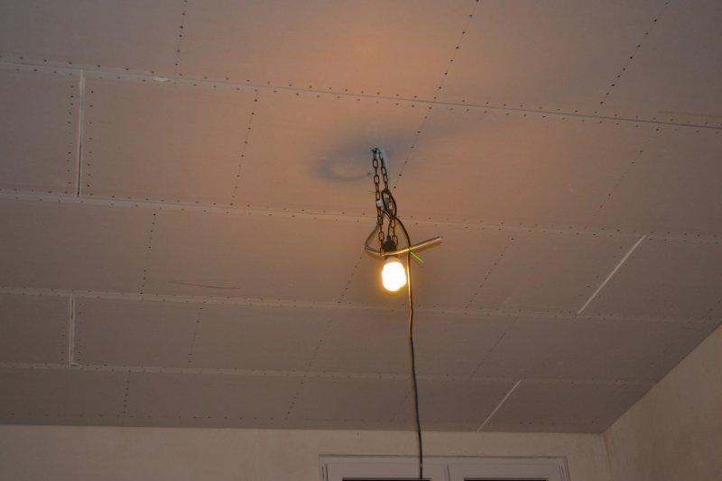Ремонт спальни 1. Потолок 047