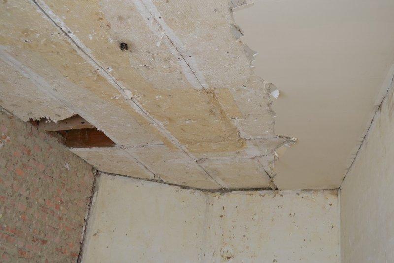 Ремонт в спальне 2. Потолок 002