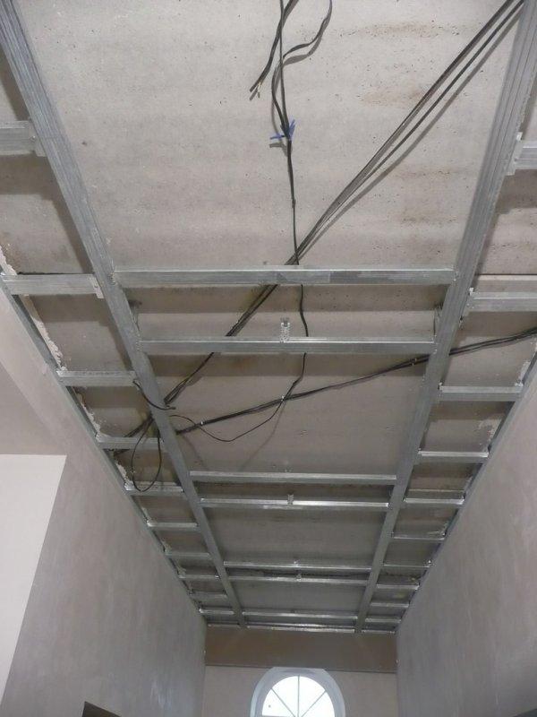 потолок коридор006