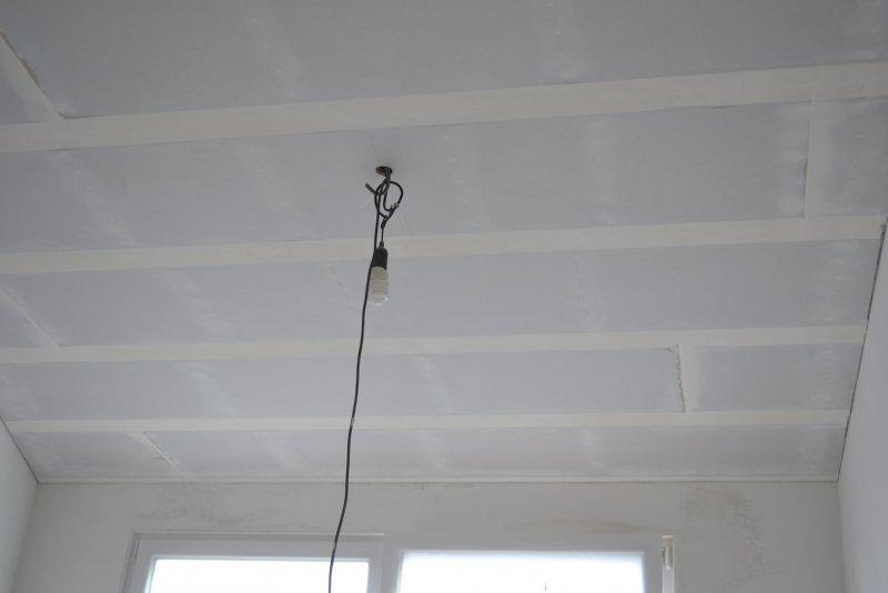 Ремонт в спальне 2. Потолок 031