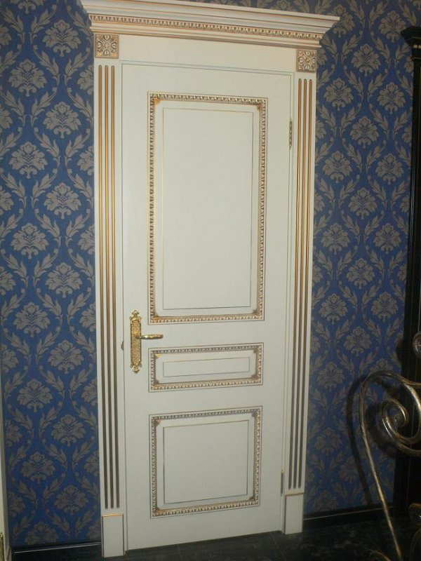 Фото элитной межкомнатной двери Империал из массива и МДФ