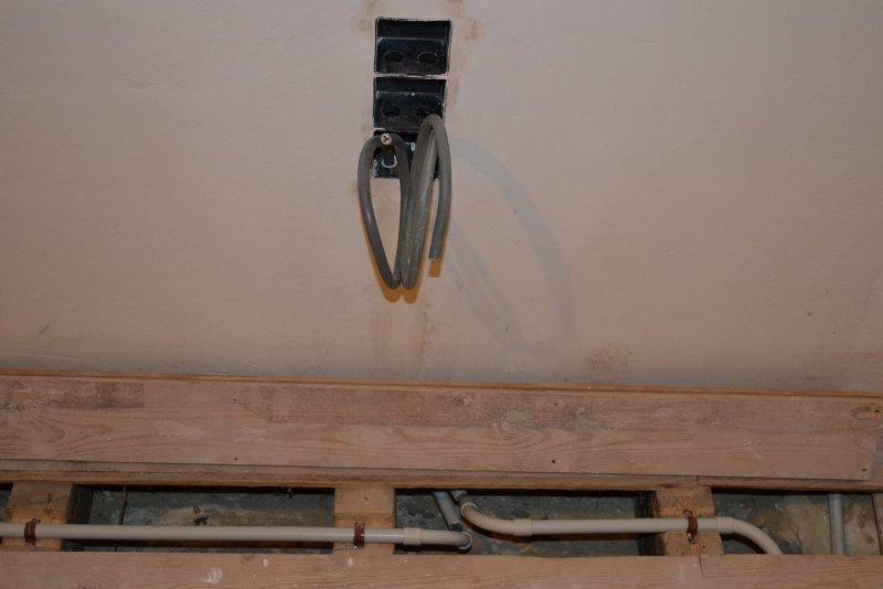 Ремонт спальни  1. Стены, пол, электрика. 040
