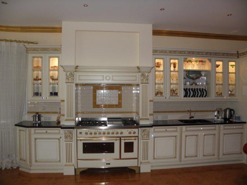 Фото элитные белой кухни на заказ Royal Interni