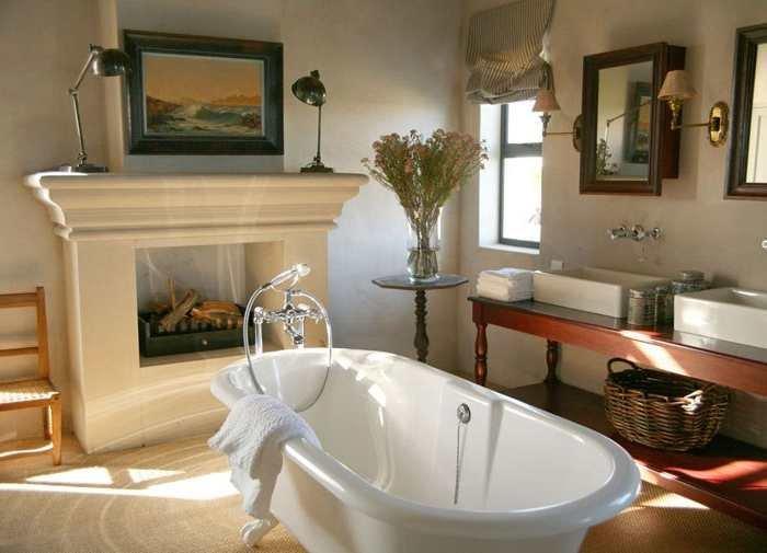 Ванная с камином