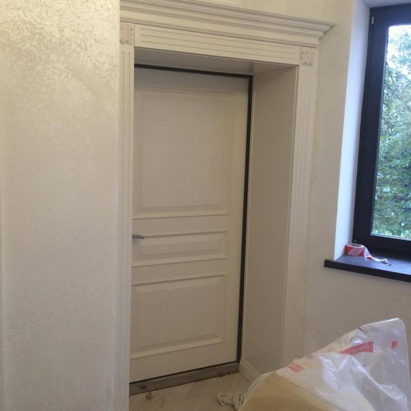 Белая межкомнатная дверь от Роял Интерни отделка краска