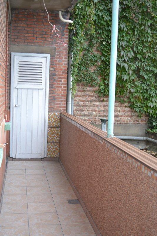 Ремонт балкона. Пол и стены. 037