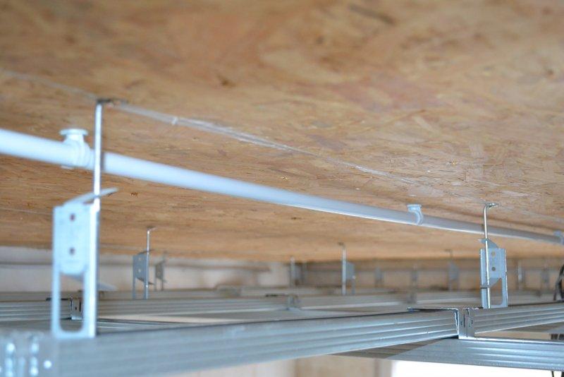 Ремонт в спальне 2. Потолок 017