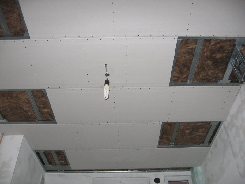 Ремонт на кухне. Потолок. 020