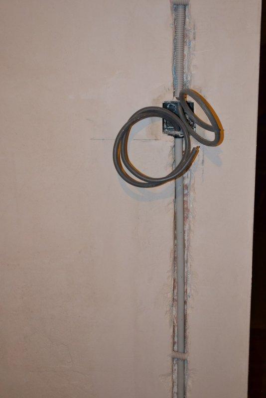 Ремонт спальни  1. Стены, пол, электрика. 042