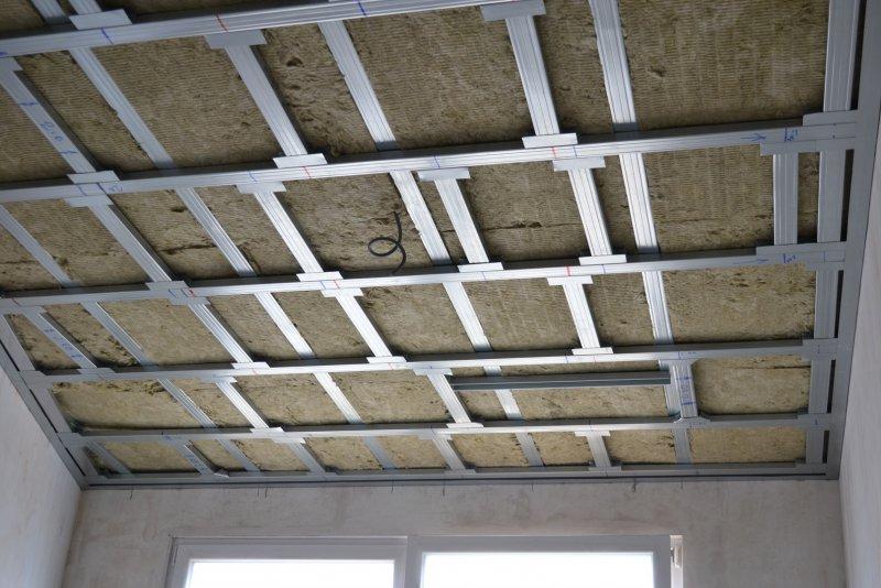 Ремонт в спальне 2. Потолок 023