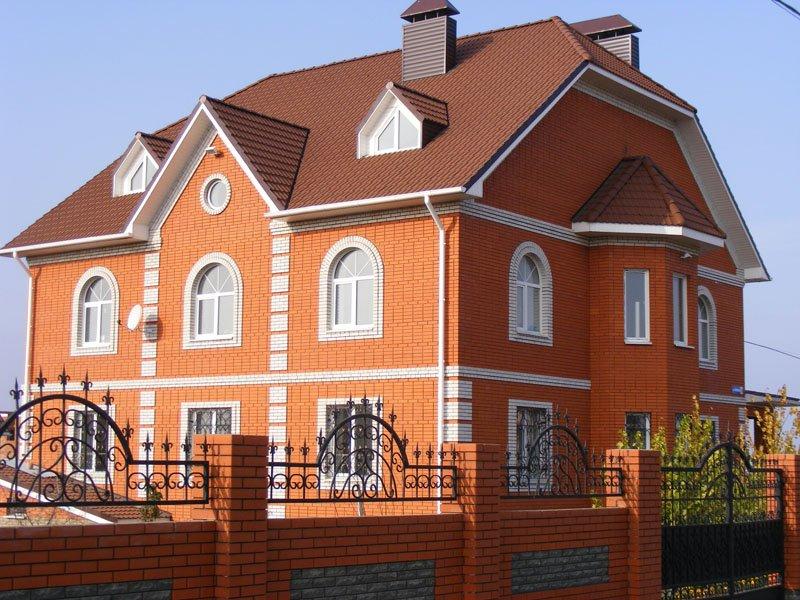 Дом из красного Старооскольского кирпича