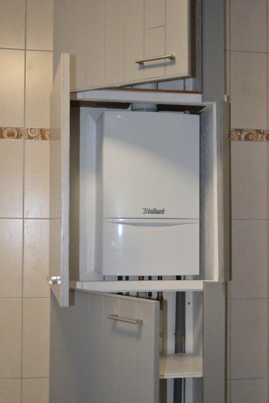 Шкаф в ванной комнате. 021