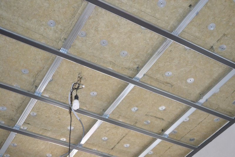 Ремонт спальни 1. Потолок 022