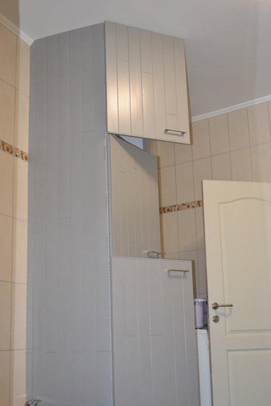 Шкаф в ванной комнате. 020