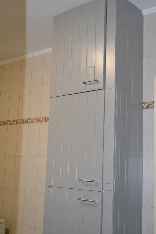 Шкаф в ванной комнате. 022