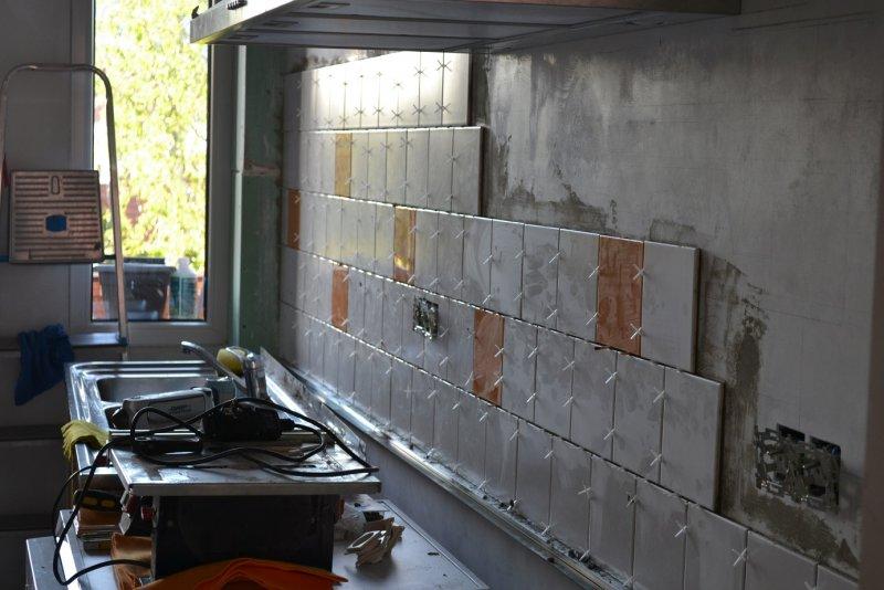 Ремонт кухни. Стены, пол, электрика. 050