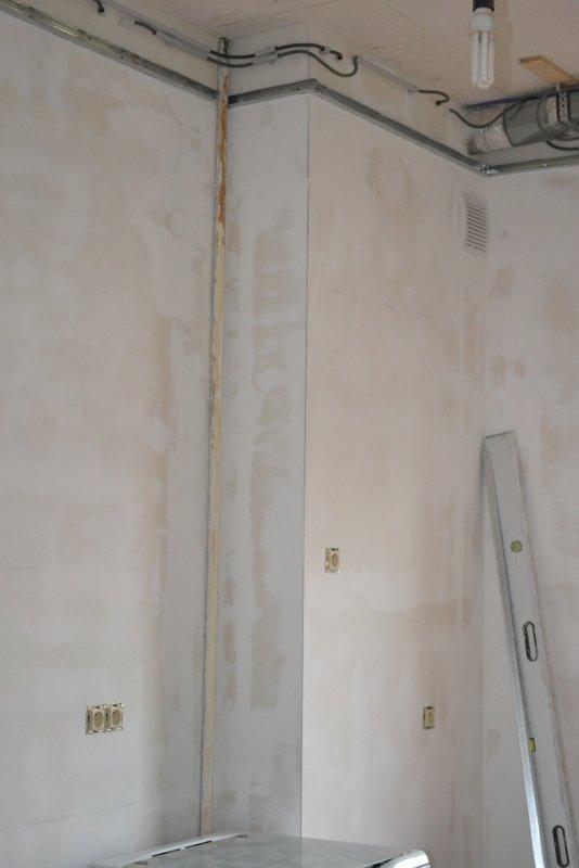 Ремонт кухни. Стены, пол, электрика. 044