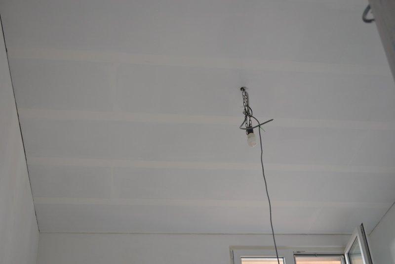 Ремонт спальни 1. Потолок 057