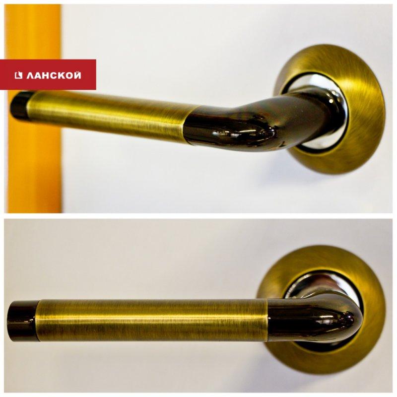 двуцветная дверная ручка в ТК Ланской
