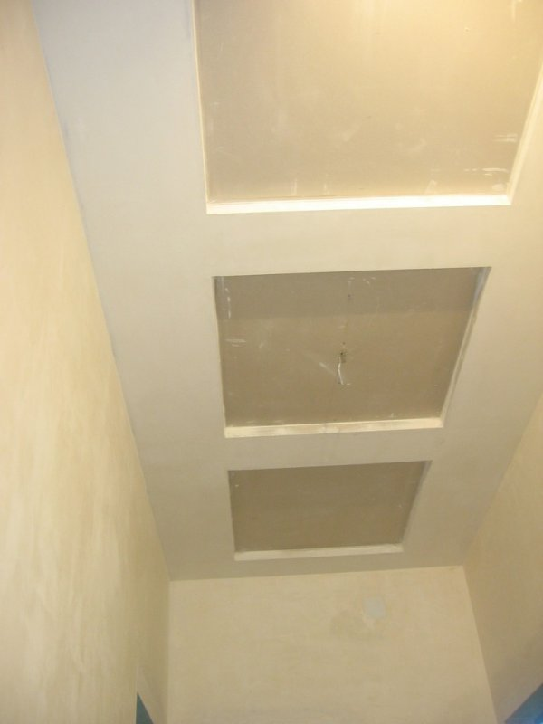 потолок коридор013