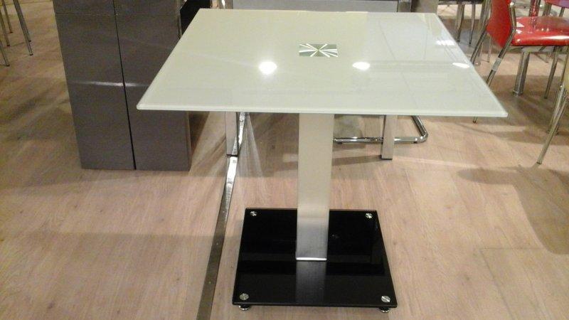 Квадратный стол Квант из стекла