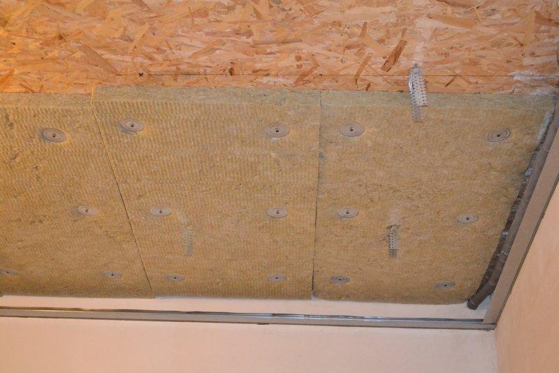 Ремонт спальни 1. Потолок 017
