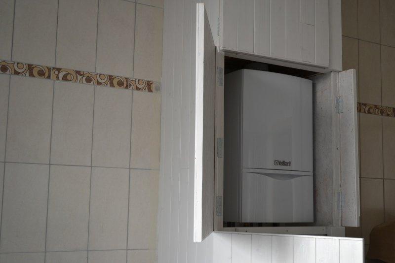 Шкаф в ванной комнате. 016