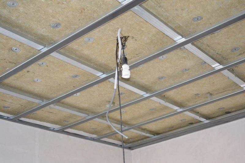 Ремонт спальни 1. Потолок 025