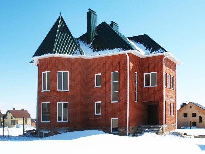 Дом из красного кирпича производства Старый Оскол